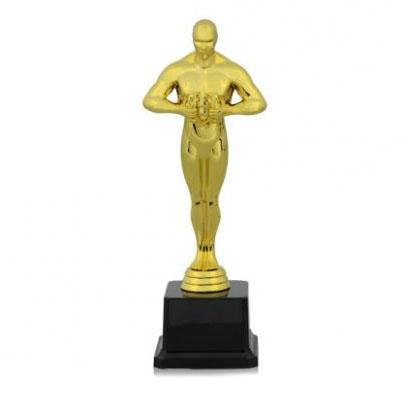 Фигура золото Победа